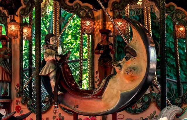 Lyon - Manège au Parc de la Tête d'Or.