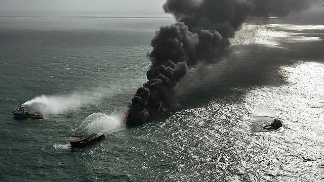 sri-lanka-ship-fire