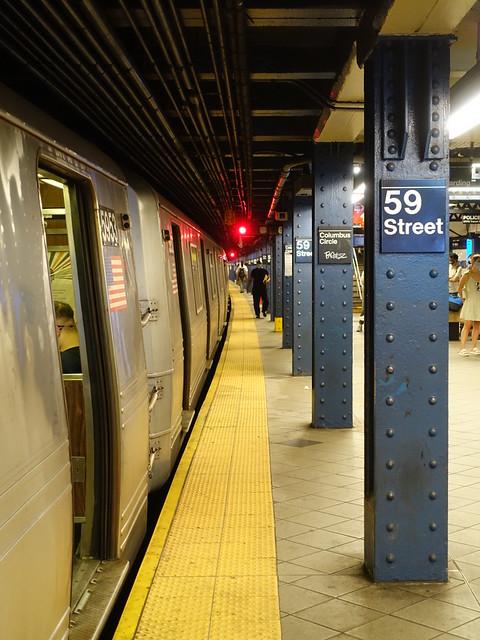 202105072 New York City subway station '59th Street–Columbus Circle'
