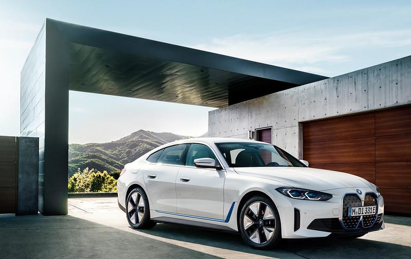 2022-BMW-i4-4