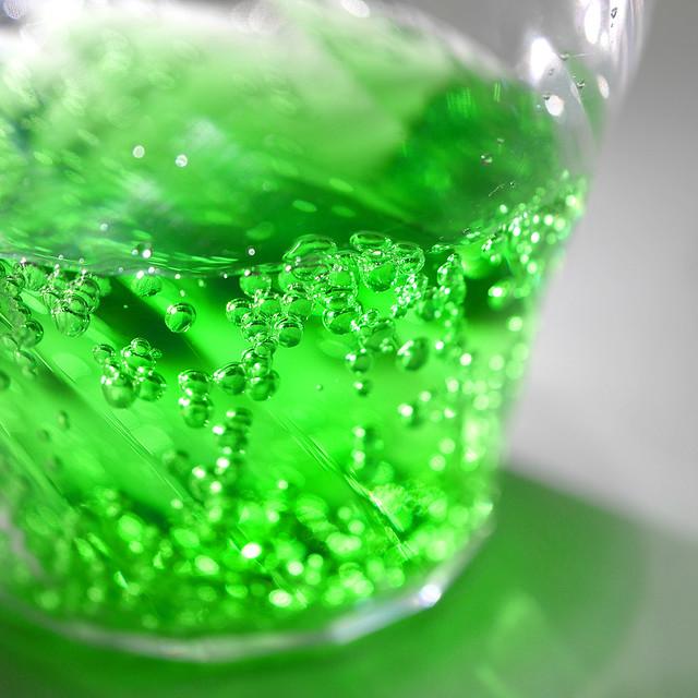 ダイソー クレールグラス 割れない トライタン 樹脂 ガラスのような 透明