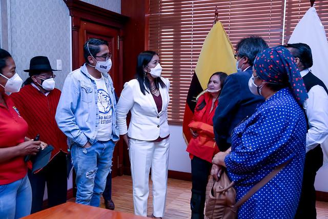 PRESIDENTA DE LA ASAMBLEA NACIONAL, GUADALUPE LLORI. RECIBE MIEMBROS DE LA FEUE Y UNE NACIONAL. ECUADOR, 02 DE JUNIO DEL 2021