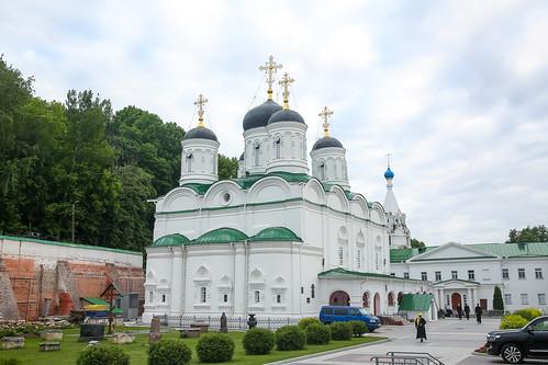 01 июня 2021, Митрополит Кирилл совершил всенощное бдение в Благовещенском монастыре Нижнего Новгорода