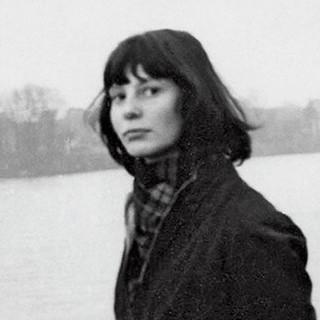 Thérèse Moll circa 1953. Photograph by Karl Gerstner [square crop]. Courtesy of the Karl Gerstner Archive.