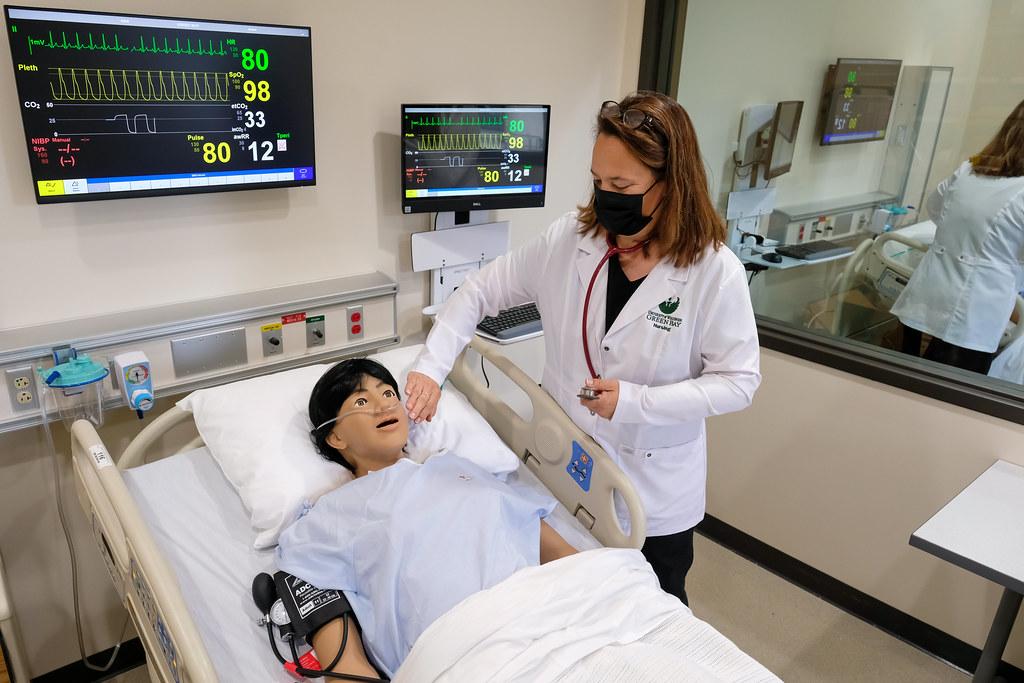 UW-Green Bay Nursing Lab Hi-Tech Simulator Instructor Training