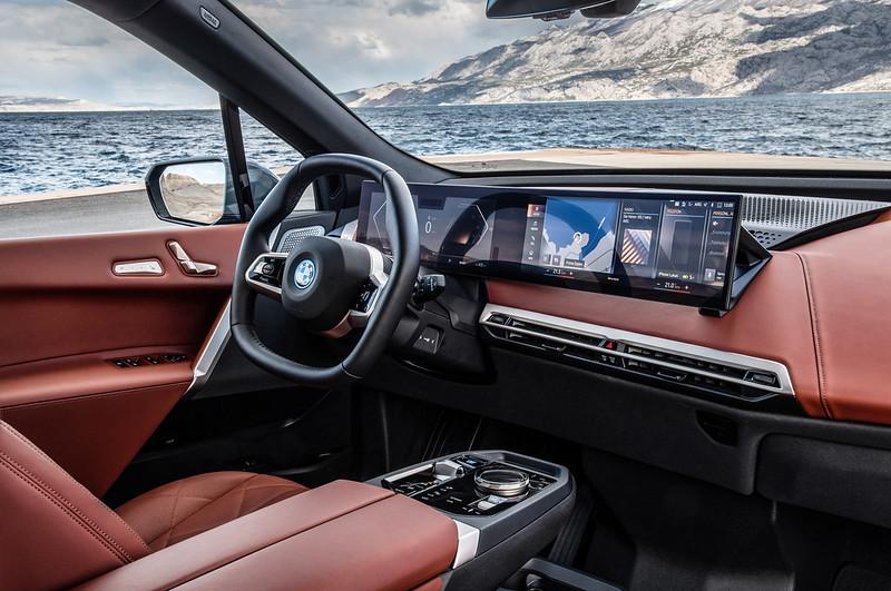 2022-BMW-ix-xDrive50-64