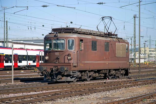 BLS Re 4/4 425 185 Basel Badischer Bahnhod