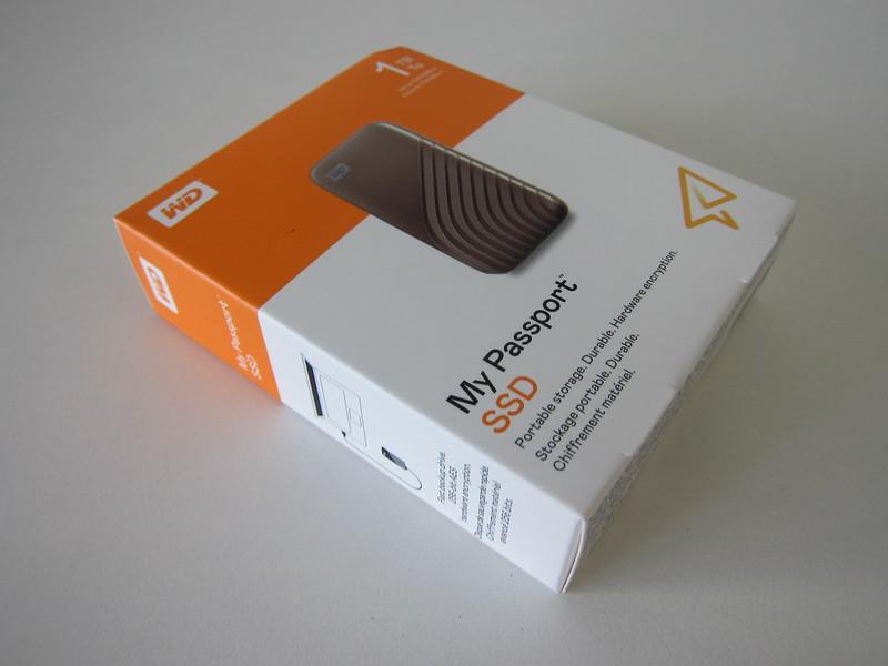 WD My Passport SSD - Box