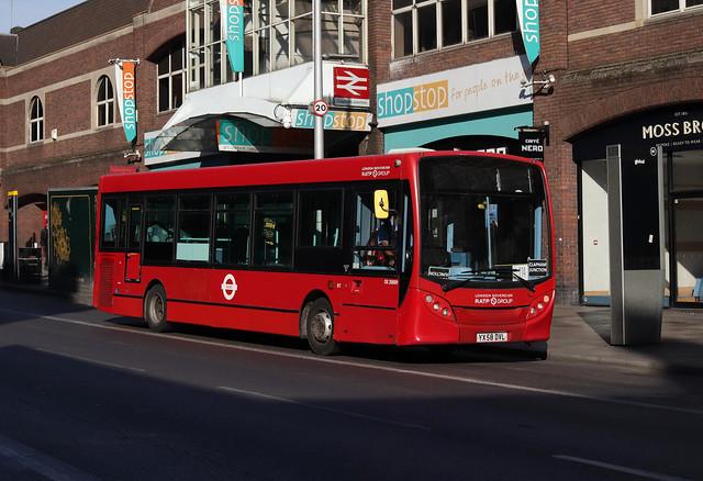 SWR Rail Replacement, London United, DE20009, YX58DVL