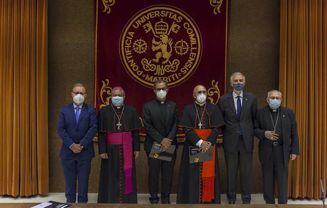 Entrada en cargo del nuevo rector Enrique Sanz