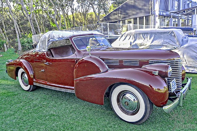 1938 Cadillac Roadster by Brunn at Amelia Island 2011