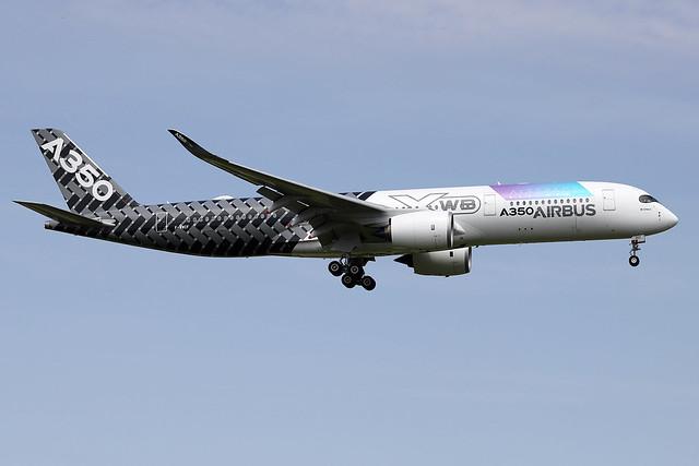 Airbus  Industrie / A 350-900   F-WWCF   msn 002
