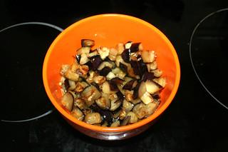 20 - Put eggplant aside / Aubergine bei Seite stellen