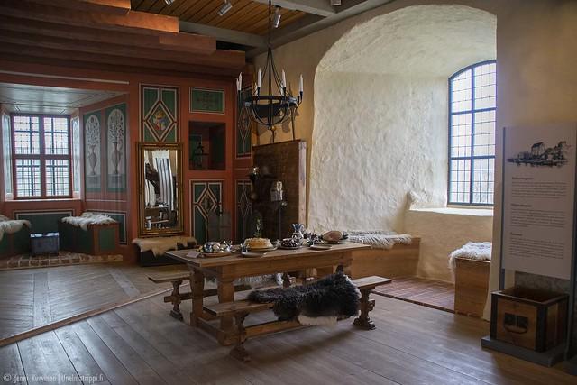 Huoneen sisustusta Kastelholman linnassa