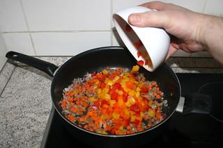 28 - Add bell pepper / Paprika hinzufügen
