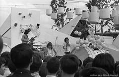 Concert du groupe québécois les Sinners, au Pavillon de la jeunesse (Expo 67). – 1967. Photo de Patricia Ling. P132-2_021-008. Archives de la Ville de Montréal.