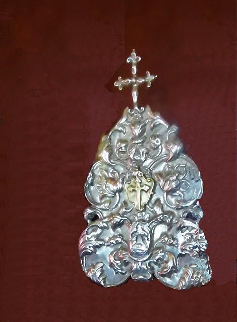 Portapaz de plata y Cruz de Santiago en oro Siglo XVII Museo de Arte Sacro de Gáldar Gran Canaria