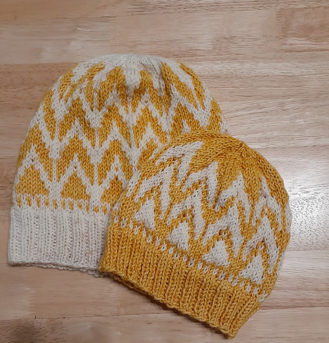 Jocelyne (jocblais) knit Flicker & Flame hats by Andrea Mowry for her daughter and granddaughter for last weekend's 4th Annual Spring KAL Challenge