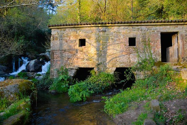 Molino de agua antiguo en Caldas de Reis. Galicia. España.