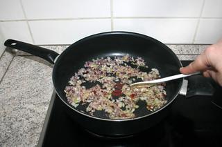 25 - Braise onion / Zwiebel andünsten