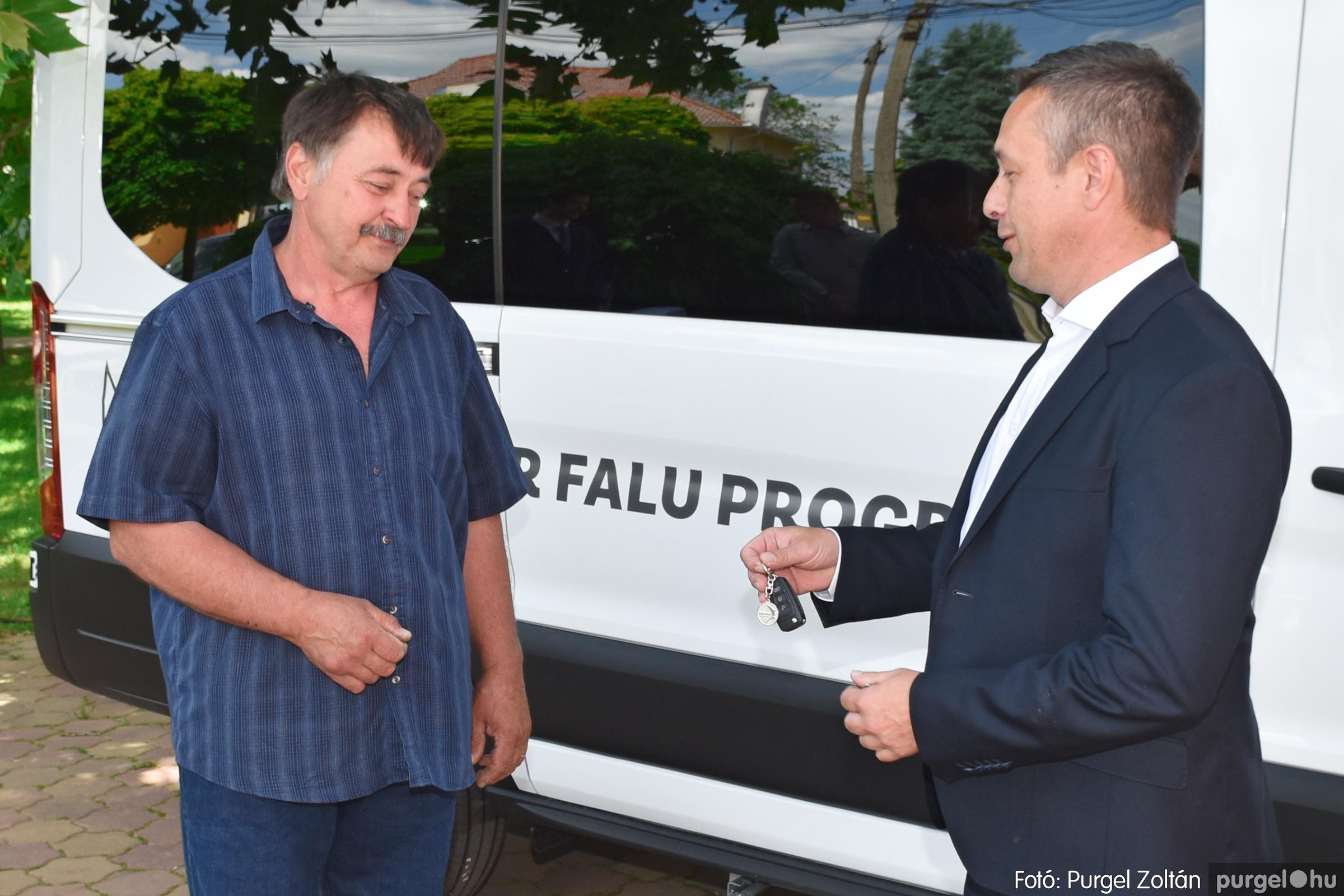 2021.06.03. 011 Falugondnoki busz átadása - Fotó:PURGEL ZOLTÁN© DSC_5378q.jpg