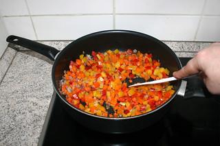 29 - Fry bell pepper / Paprika anbraten