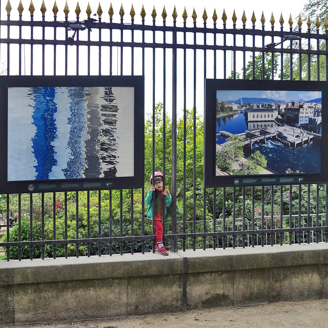 Photo exhibitions of the Rhône river by Camille Moirenc on the barriers of the Jardin du Luxembourg