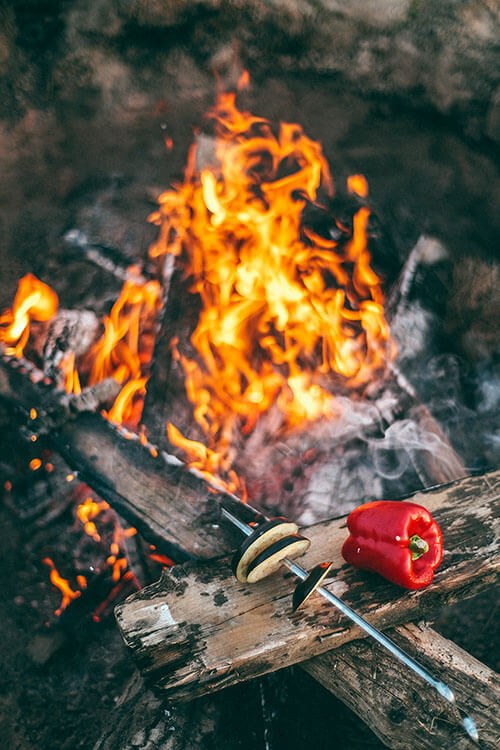 6 Easy meals you can make over an open campfire