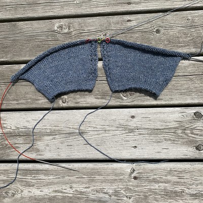 After finishing the back piece of my Rhys by Alison Green, I cast on both fronts to knit them 2 at a time!