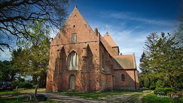 Insel Rügen - St.-Petri-Kirche von Garz  (Explore)