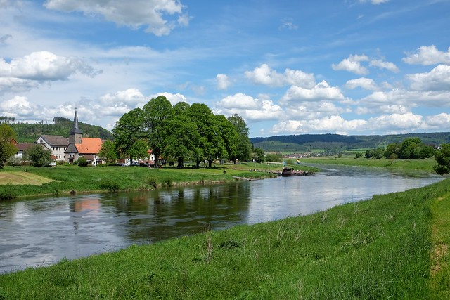 WAHMBECK - CROSSING RIVER WESER FROM HESSE TO LOWER SAXONY