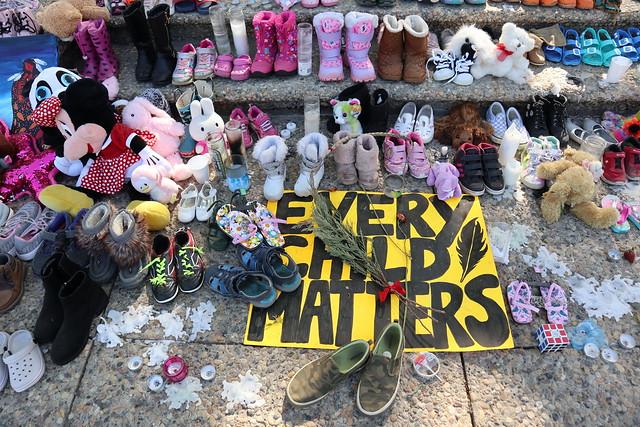 215 Children Tributes