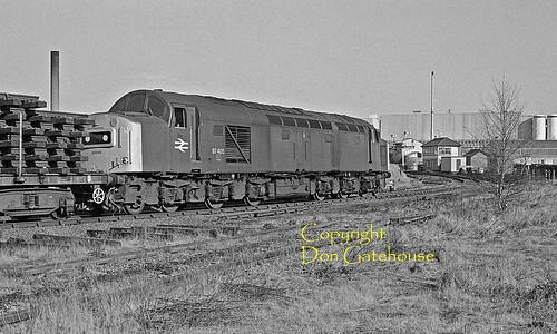 britishrail br ee type4 class40 40060 97405 croesnewydd signalbox wrexham engineers wrexhamlager