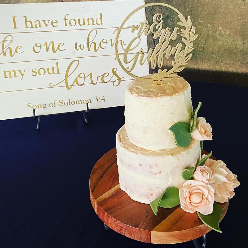 Cake by Nana Sweets