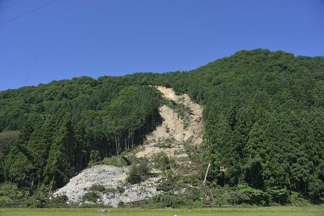 土砂崩れ現場