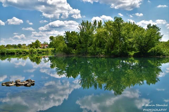 River, clouds, rocks, reflections.... - Karlovac, Croatia