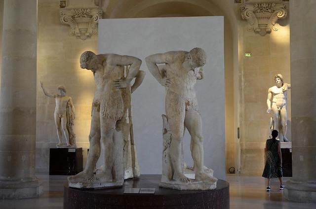 2020.08.06.177 PARIS - Musée du LOUVRE - Satyres dit Atlantes d'Albani