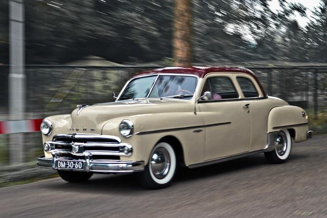 Dodge Coronet Club Coupé 1950 (7889)