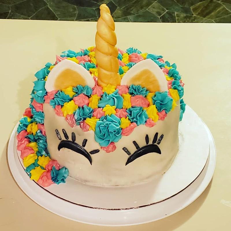 Unicorn Cake by AshCakz
