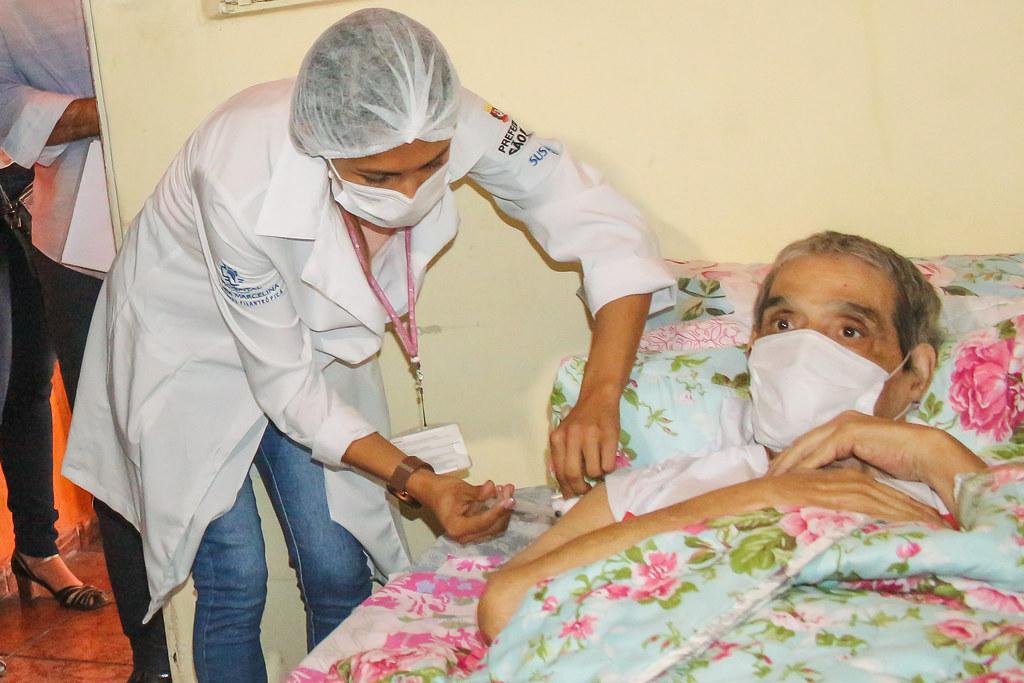 O Vice-governador Rodrigo Garcia e o prefeito de São Paulo Ricardo Nunes participam, neste sábado, 5, do Dia D para a aplicação da segunda dose da vacina contra Covid-19 que está atrasada