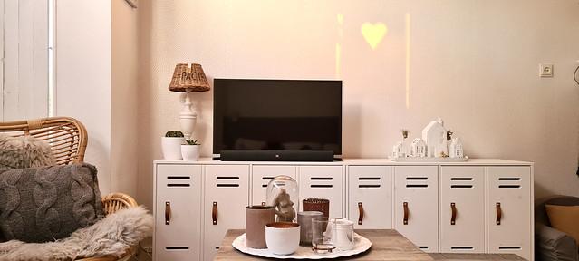 TV meubel leren handgreepjes rieten lampenkap riviera maison dienblad met windlichten