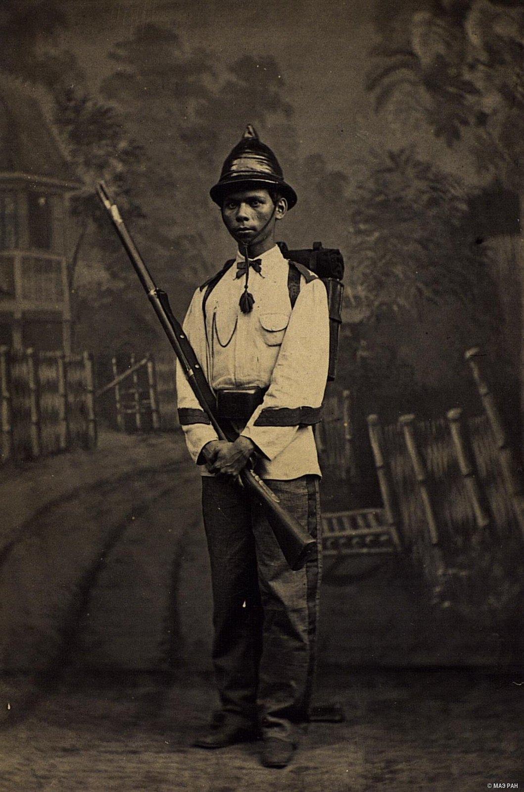 Солдат в повседневной форме. Филиппины, город Манила