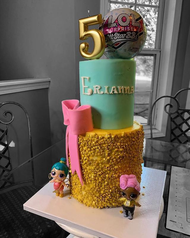 Cake by Kim's Kup & Kakes