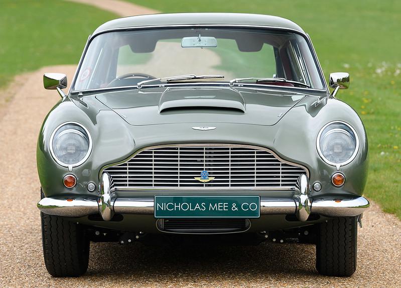 Aston-DB5-2