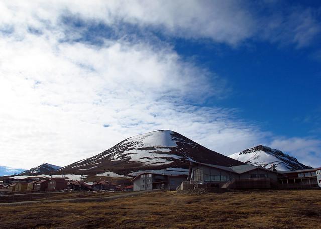 Longyearbyen under an Arctic Early-Summer Sky