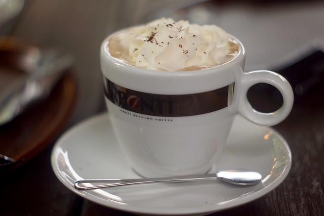 Cappuccino / Le Pavillon      Foca Oplarex 50mm f1.9