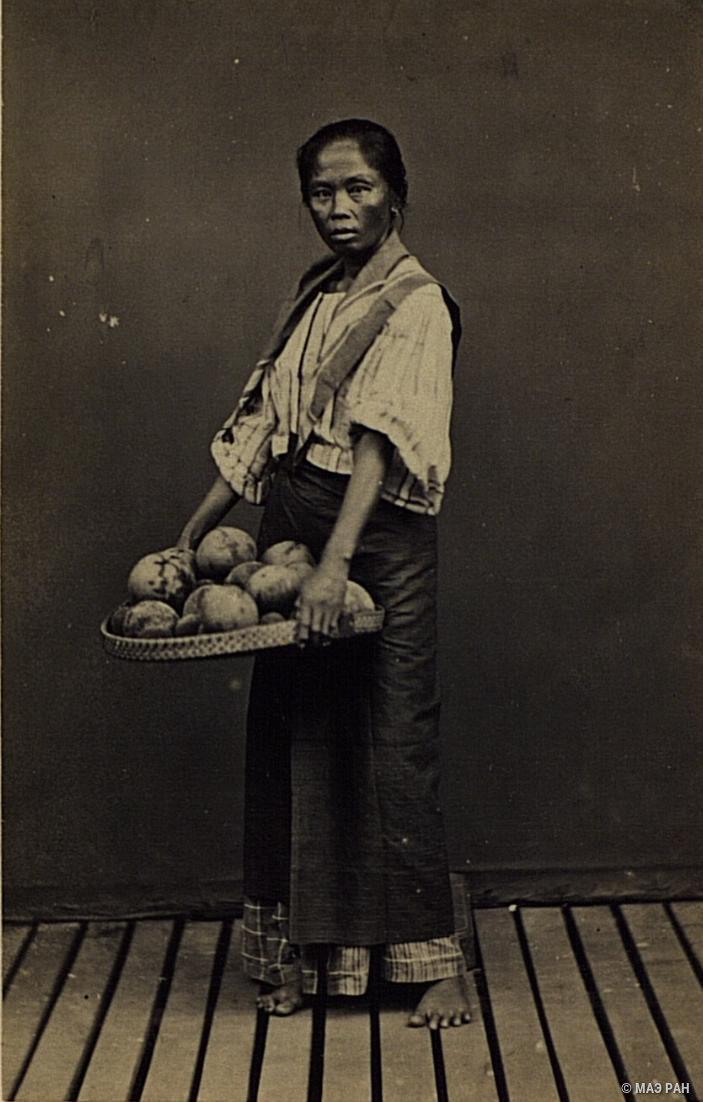 Портрет торговки кокосами. Филиппины, город Манила