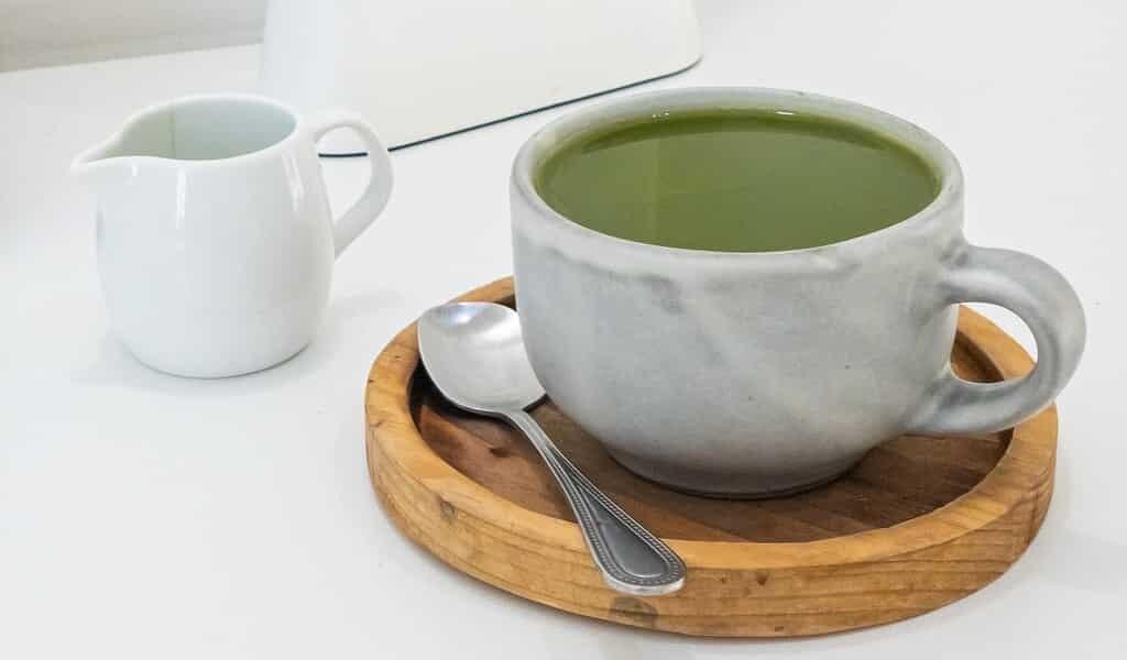 le-potentiel-du-thé-vert-contre-le-COVID-19