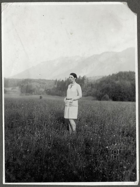 ArchivTappen24AAL4l72 Benno Bauer, Freundin Porträt, München, 1920er