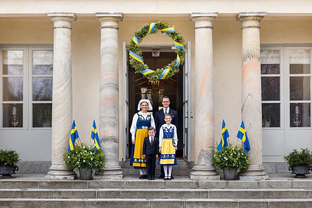 Nationale Dag van Zweden 2021: Nieuwe officiële foto's van Kroonprinsesselijk gezin van Zweden